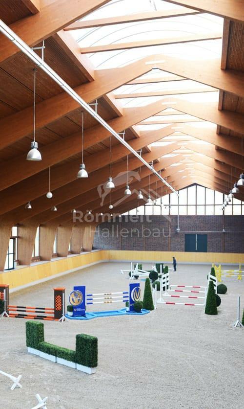 Reithalle für Sprungreiten innen – Römmelt Hallenbau